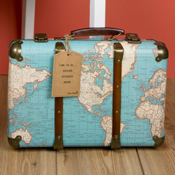 Retro koffer around the world vintage world map